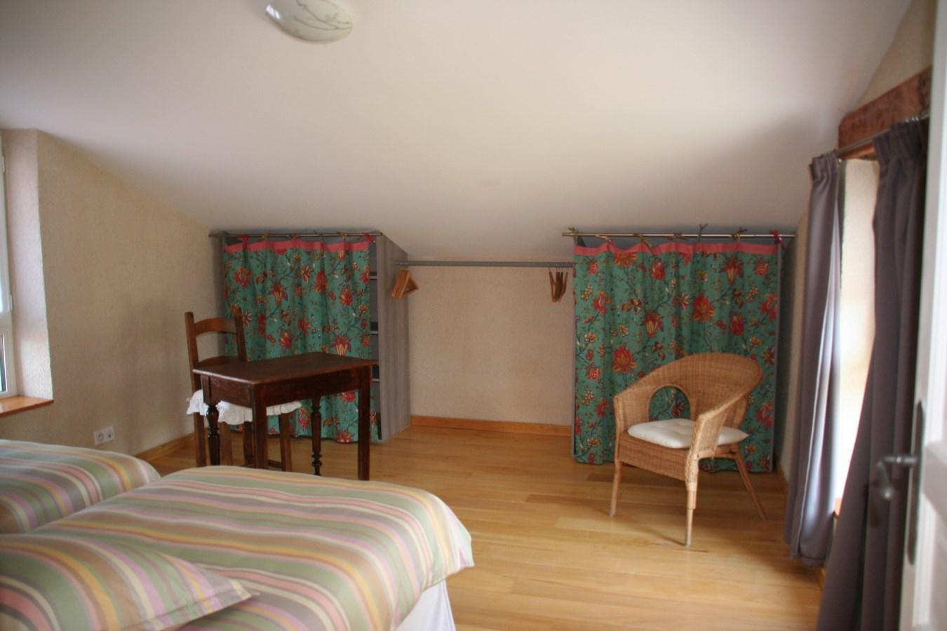 Chambre etage gite de castang espace